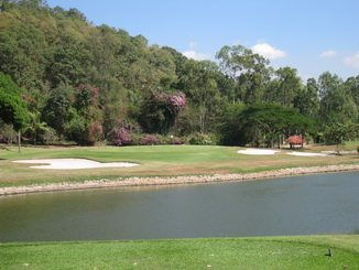 Bangpra Golf Club.jpg