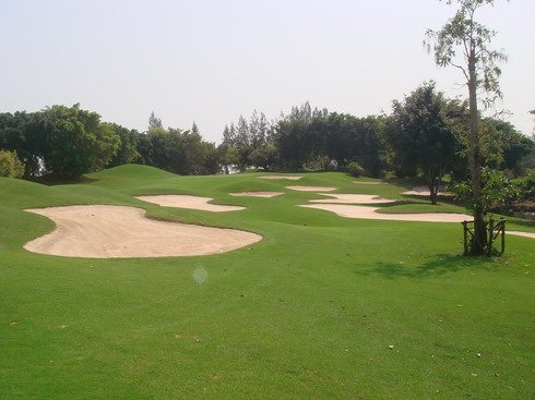 Alpine Golf Club Bangkok Thailand Hole 4