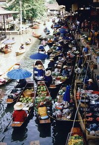 Floating_market_medium