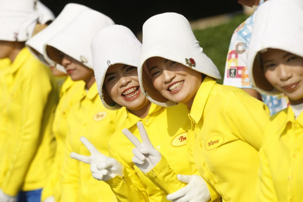 Thai smiling caddies